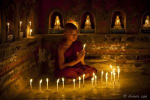 monklet-with-candle